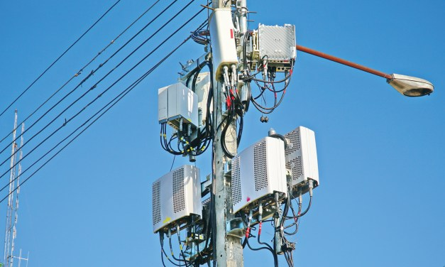 Backhaul Options: Technologies for small cells and challenges in deployment