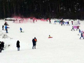 jak timleri afetlere karsi duyarlilik icin karsta kayakli gosteri yapti