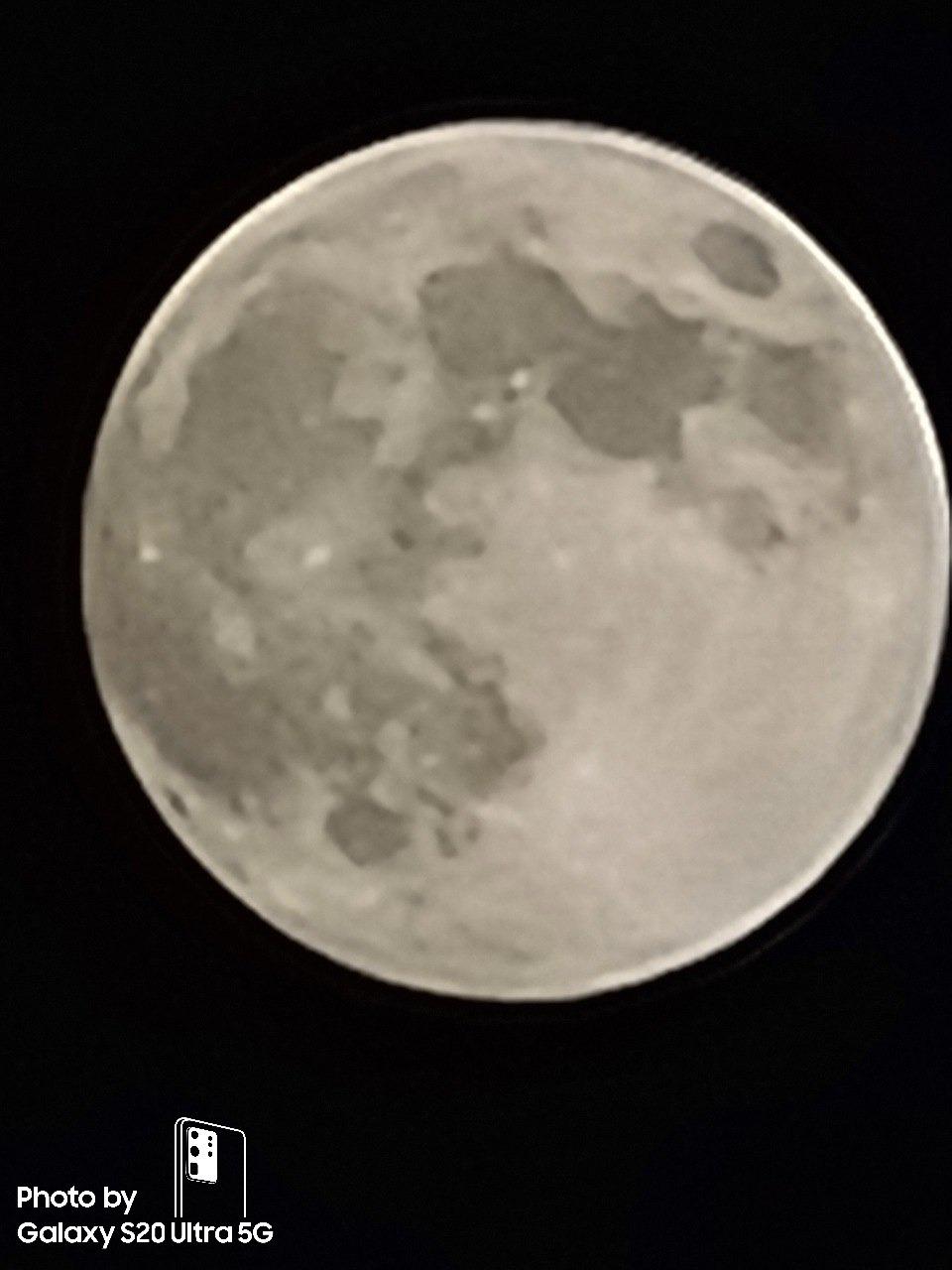 Galaxy S20 Ultra luna Zoom x100