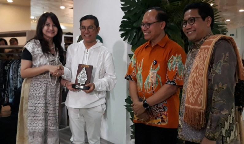 Sustainable Green di Eco Fashion Angkat Tenun Indonesia