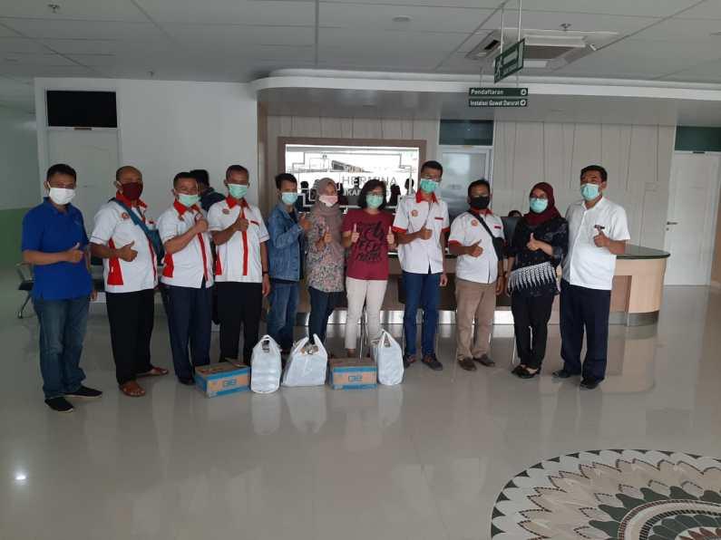 Papmiso Karawang Bagikan Makanan Gratis di Beberapa Rumah Sakit Rujukan Penanganan Virus Corona