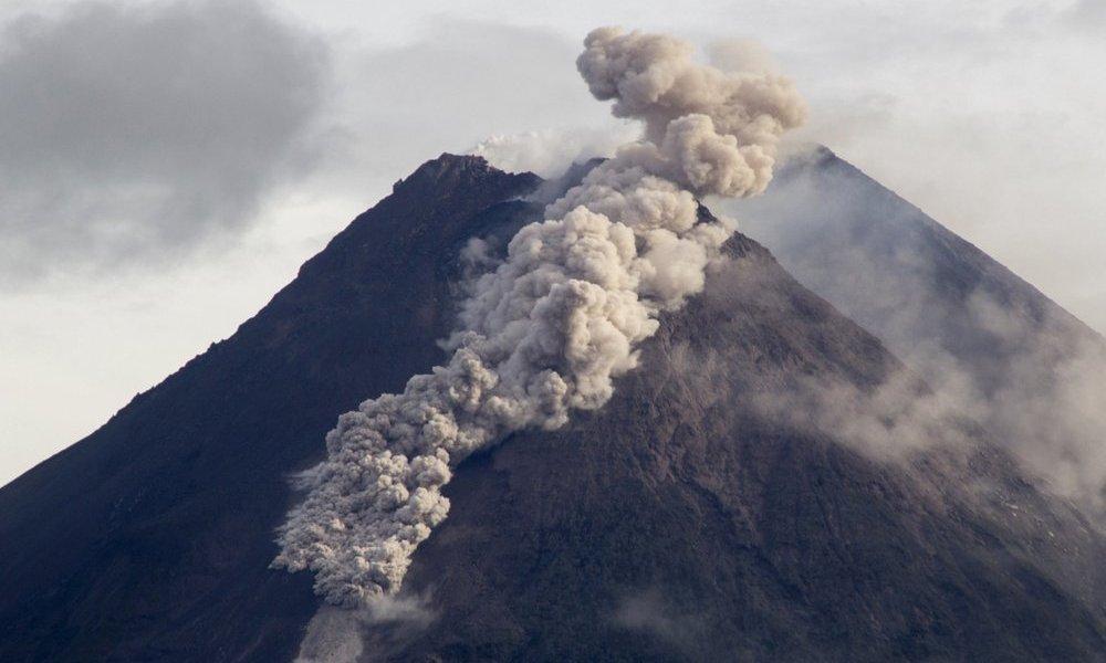 Indonesian Merapi Volcano Eruption Unleashes River of Lava