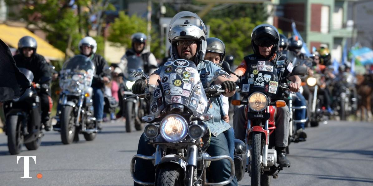 Los motoqueros también formaron parte del evento (Fotos Ricardo Stinco).