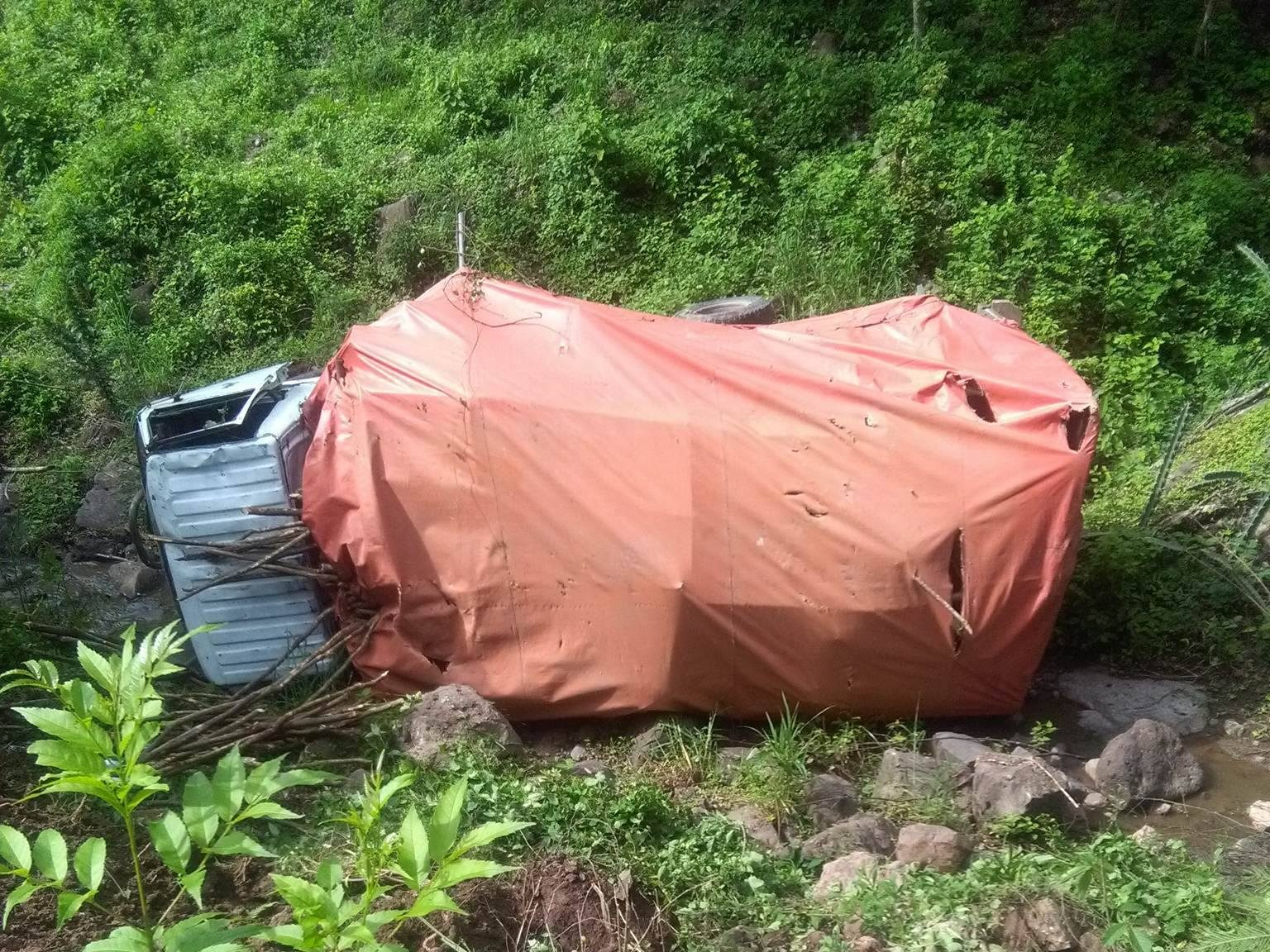 Un muerto dejó un vuelco de camión en Miraflor-Estelí.