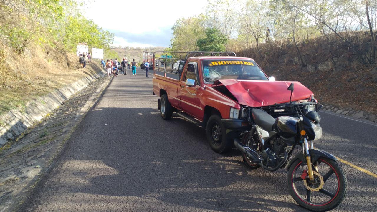 Un lesionado por colisión de camioneta y motocicleta en Estelí.