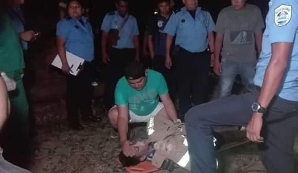 Dos jóvenes mueren asfixiados dentro de un pozo por buscar un balón.