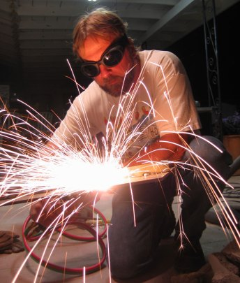 Nelson Cutting Metal