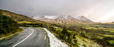 Maam Cross snow on mountains