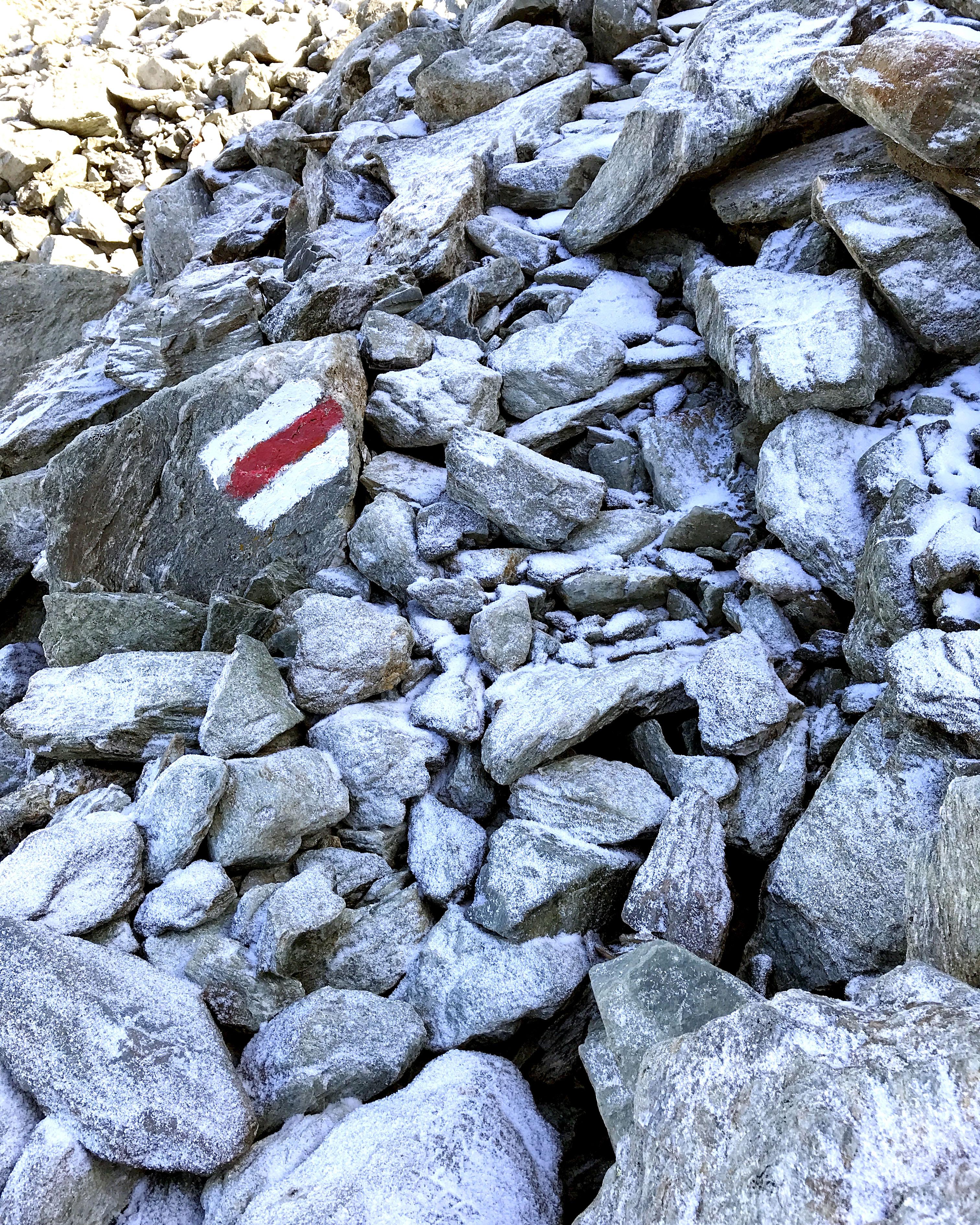 Snowy Rocks Marker
