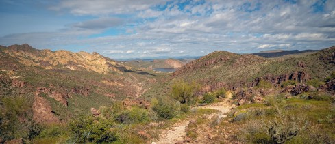 Trail to Canyon Lake