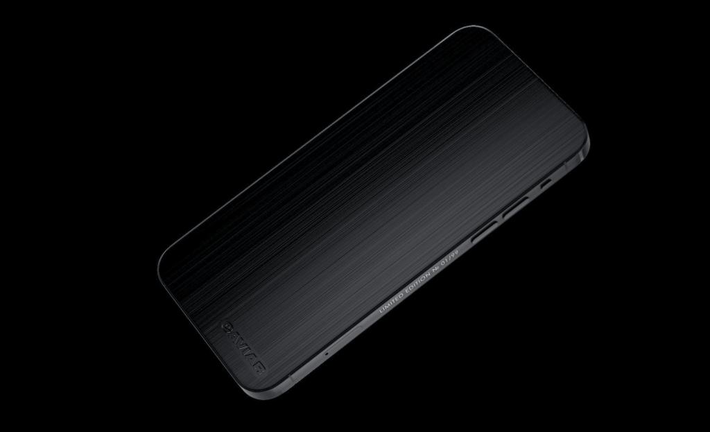 Caviar supprime les caméras de liPhone 12 Pro pour le rendre furtif 5
