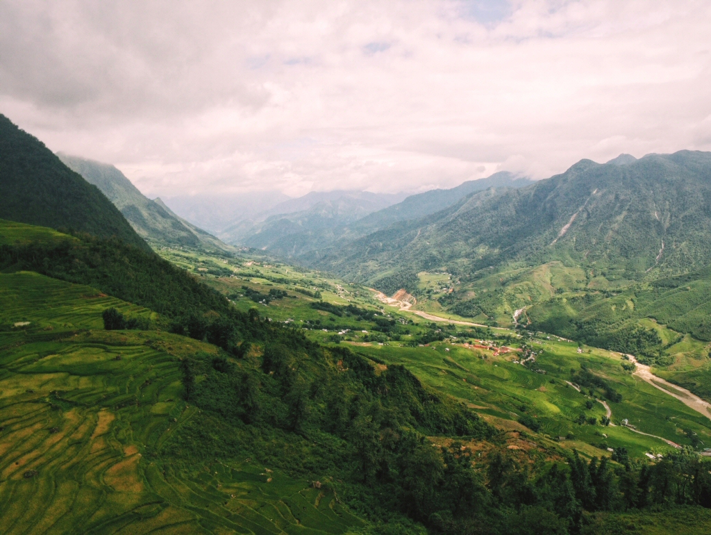 Sapa Trekking through rice terraces