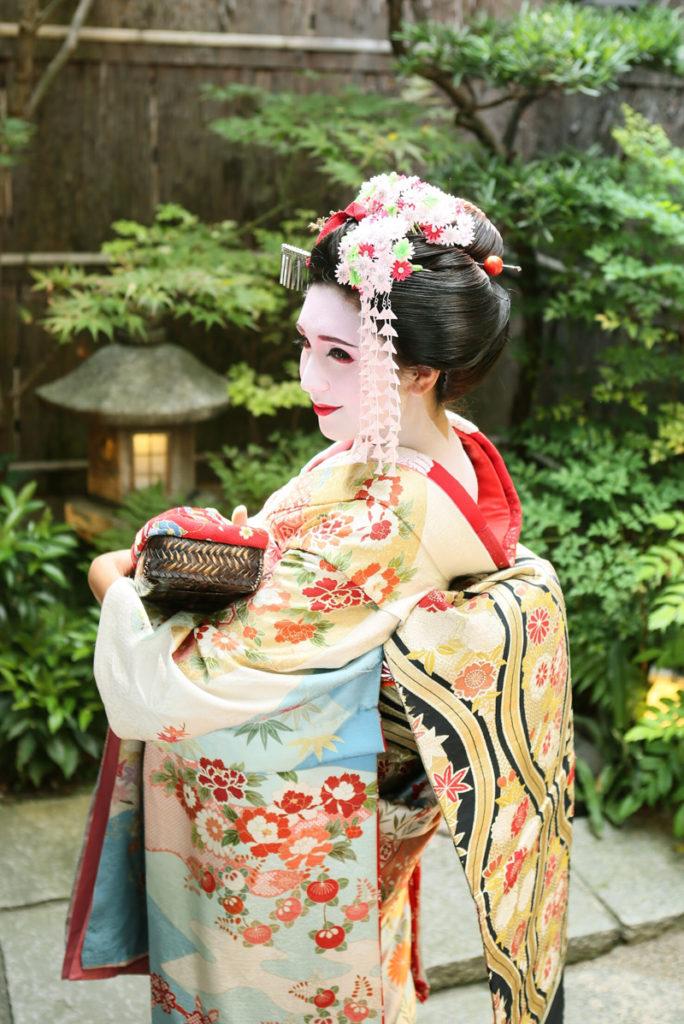 Maiko Kyoto Japanese Geisha Girl Make-up at Aya Maiko Makeover Studio