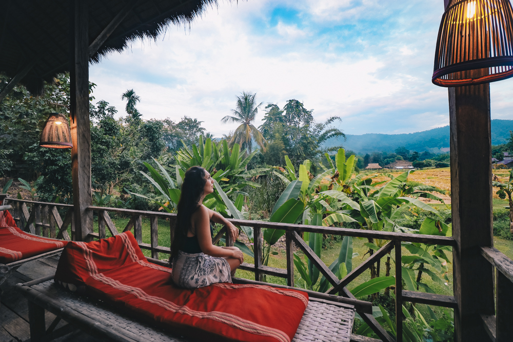 https://i1.wp.com/televisionofnomads.com/wp-content/uploads/2018/01/where-to-stay-in-chiang-mai-thailand-for-beautiful-views.jpg