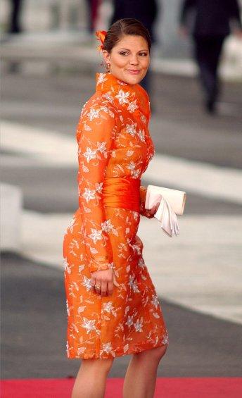 Shade-Orange-Too-Bright-Bold-Her