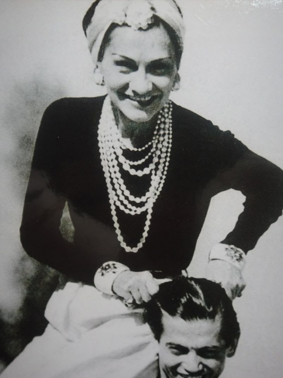 coco-chanel-in-her-vedura-cuffs-image-courtesy-the-hip-report