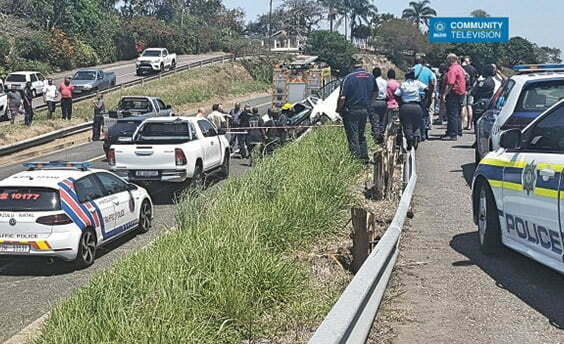 Durban cops search for robbers who crashed during M13 high speed chase