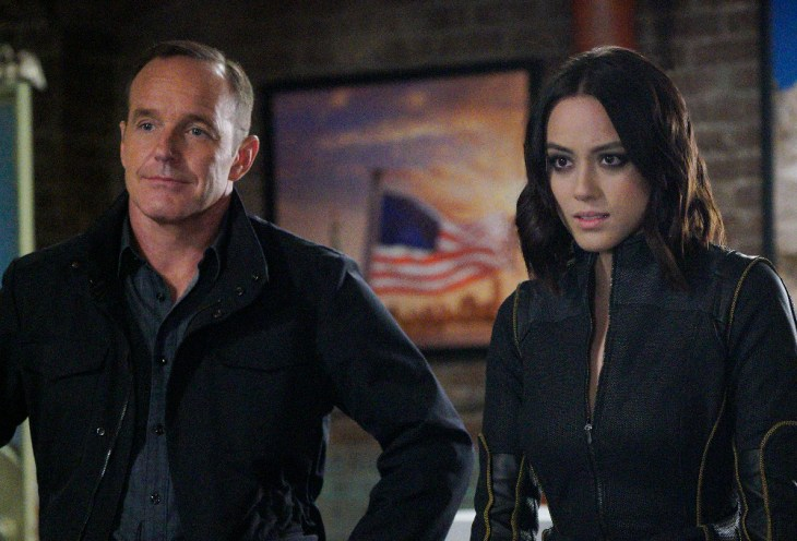 "MARVEL'S AGENTS OF S.H.I.E.L.D. - ""The Laws of Inferno Dynamics"" - S.H.I.E.L.D. and Ghost Rider find themselves unlikely allies when the lives of all of Los Angeles hang in the balance, on the winter finale of ""Marvel's Agents of S.H.I.E.L.D.,"" TUESDAY, DECEMBER 6 (10:00-11:00 p.m. EST), on the ABC Television Network. (ABC/Jennifer Clasen)"