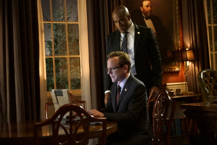 "DESIGNATED SURVIVOR - ""The Blueprint"" - When classified government documents are leaked online, President Kirkman searches for the party responsible only to find that they have taken refuge inside a foreign embassy and are behind even his reach. Meanwhile, Agent Hannah Wells races furiously to gather evidence of MacLeish's involvement in the conspiracy before he can be confirmed as the country's next Vice President, on ABC's ""Designated Survivor,"" WEDNESDAY, DECEMBER 7 (10:00-11:00 p.m. EST). (ABC/Ian Watson)"