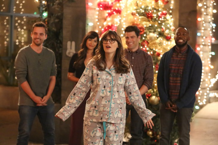 "NEW GIRL: L-R: Jake Johnson, Hannah Simone, Zooey Deschanel, Max Greenfield and Lamorne Morris in the ""Christmas Eve Eve"" episode of NEW GIRL airing Tuesday, Dec. 13 (8:30-9:01 PM ET/PT) on FOX. ©2016 Fox Broadcasting Co. Cr: Ray Mickshaw/FOX"