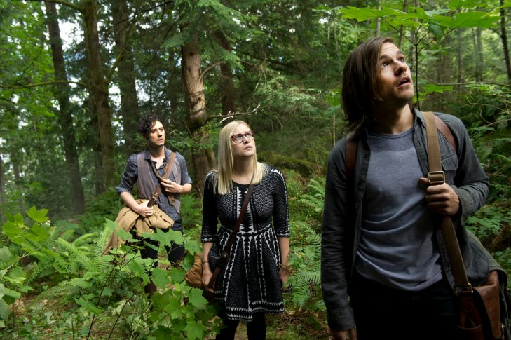 """THE MAGICIANS -- """"Night of Crowns"""" Episode 201 -- Pictured: (l-r) Hale Appleman as Eliot, Olivia Taylor Dudley as Alice, Jason Ralph as Quentin -- (Photo by: Carole Segal/Syfy)"""