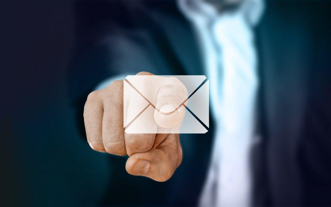 Säkra mail - tangentbord och nyckel