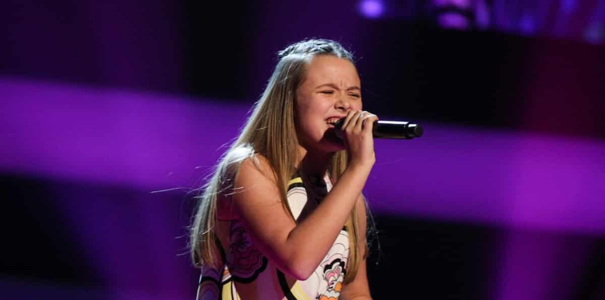 Liv performs