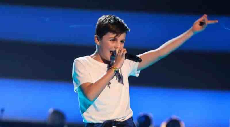 Freddie performs