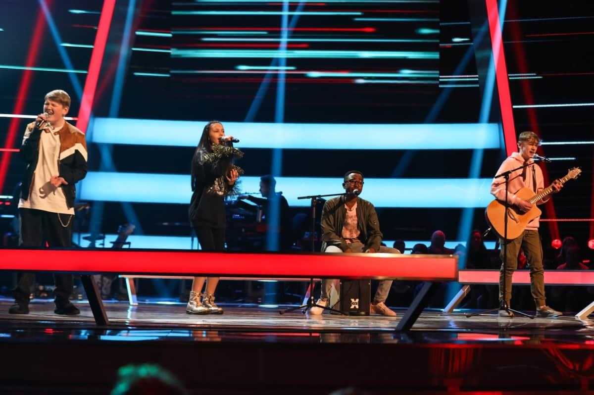 Team Will: Jamie, T'Mya and David & Ammani perform.