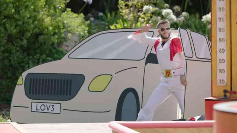 Finn as Elvis in Lads Vegas challenge.