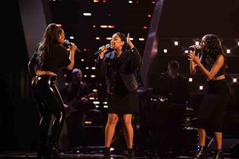 So Diva (Jenny, Tania and Danni) perform