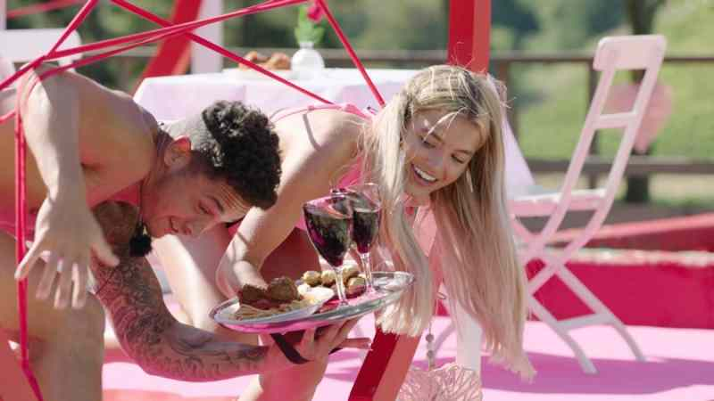 Callum and Molly during the Valentine's Bae challenge.