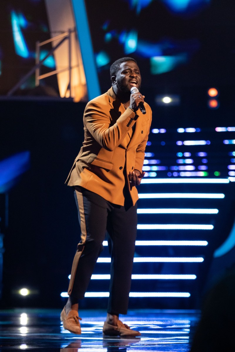 Team Tom: Zion performs.