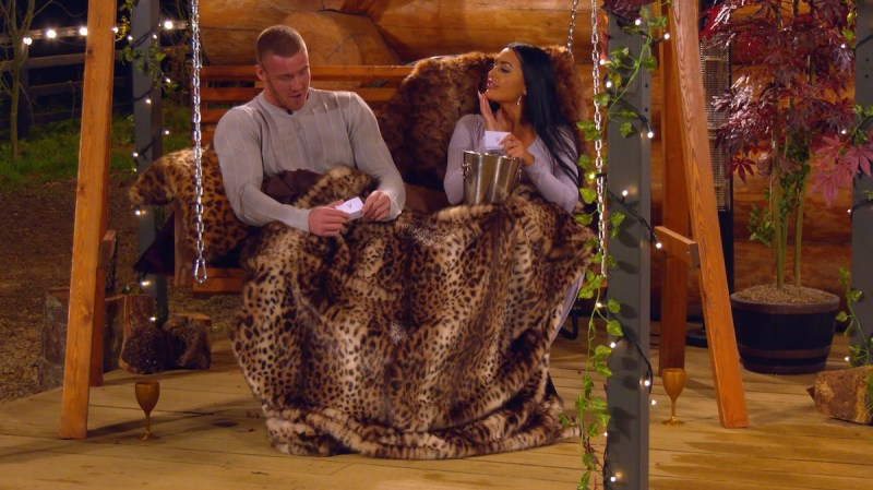 The Cabins: Ep1 on ITV2 - Tom and Olivia