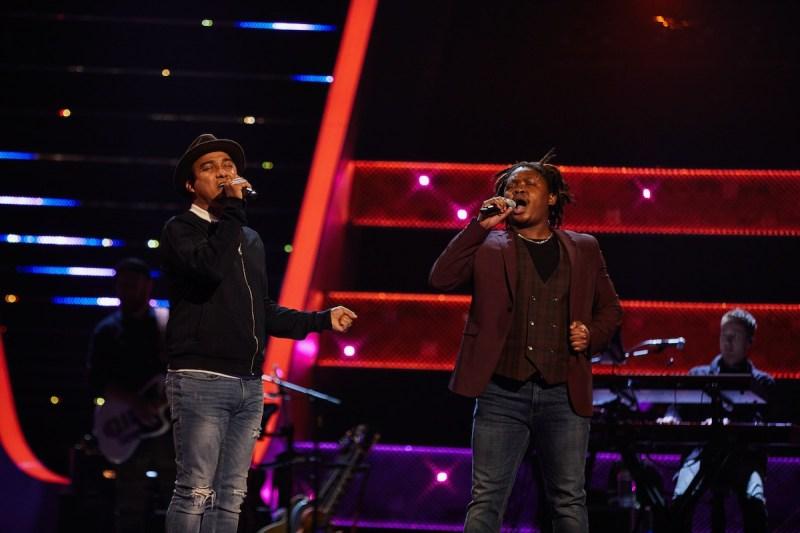 Wayne and Morgan perform.