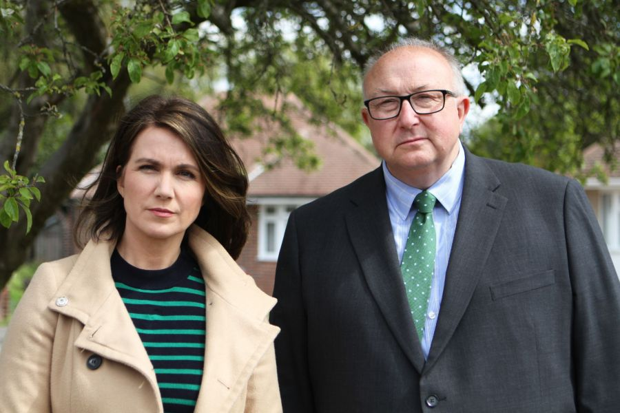 THE REAL MANHUNT Thursday 30th September 2021 on ITV. Pictured: (l-r) Susanna Reid with Former Police Senior Investigating Officer Colin Sutton