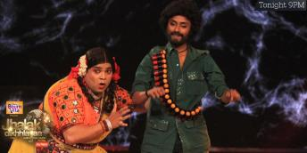 Palak becomes Basanti and dances with her partner (Gabbar)