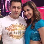 Salman gives an elegant pose with Sophie