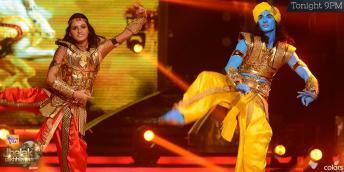 Shakti dances with her partner Tushar on mangal mangal song