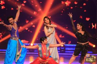 Team Madhuri and Madhuri supporting them with her dance