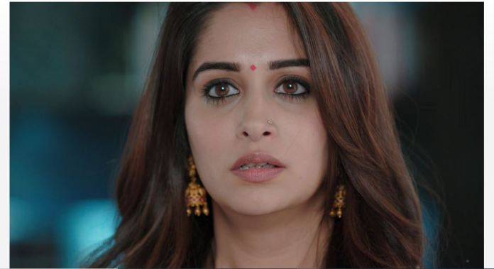 Kahan Hum Shocker for Sonakshi Pari affair exposed Rohit confronts Sonakshi about the huge amount she had withdrawn suddenly. He tells her that Suman is blaming them for dowry, which isn't acceptable. She lies to h
