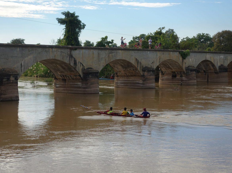 Puente colonial: Qué hacer en las cuatro mil islas de Laos