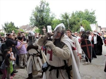 festival medieval de provins défilé
