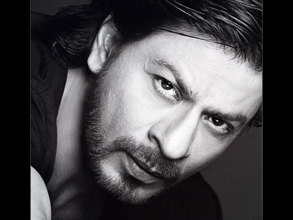 31 1496235744 sharukh khan sad 614 షారుక్ విమాన ప్రమాదంలో దుర్మరణం అంటూ.. సోషల్ మీడియాలో వైరల్..   Going Viral! Shocking Death Hoax Of Shahrukh Khan Killed In A Plane Crash In Paris