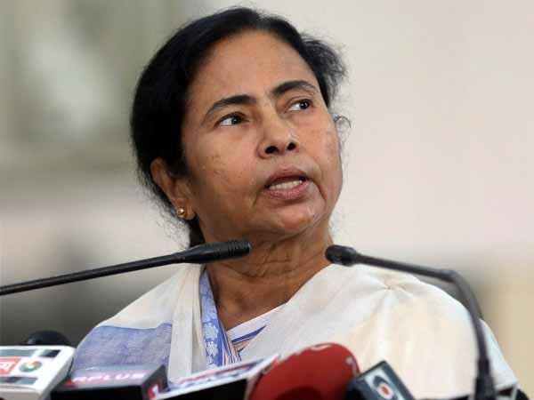 05 1493970405 mamatabanerjee1 27 1464331079 బీజేపీతో టీఎంసీ రహస్య భేటీలు: రైటర్స్ బిల్డింగ్స్లో పాగా లక్ష్యం   Why Are Some TMC Ministers Making Secret Trips to Lucknow?