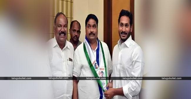 Modugula Venugopala Reddy Join To YCP