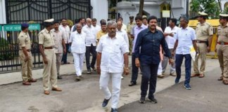 rebal mlas to resign in person by 6 pm