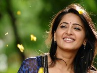 Anushka may act in manmadhudu 2