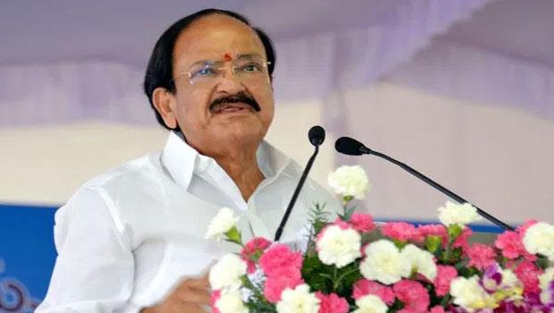 ap bjp leaders want to do disturbance while venkaiah naidu speech in amit shah meeting