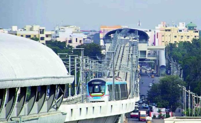 Hyderabad Metro Water Fall Leakage